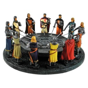 Knights of the Round Table Ornament 28cm diameter